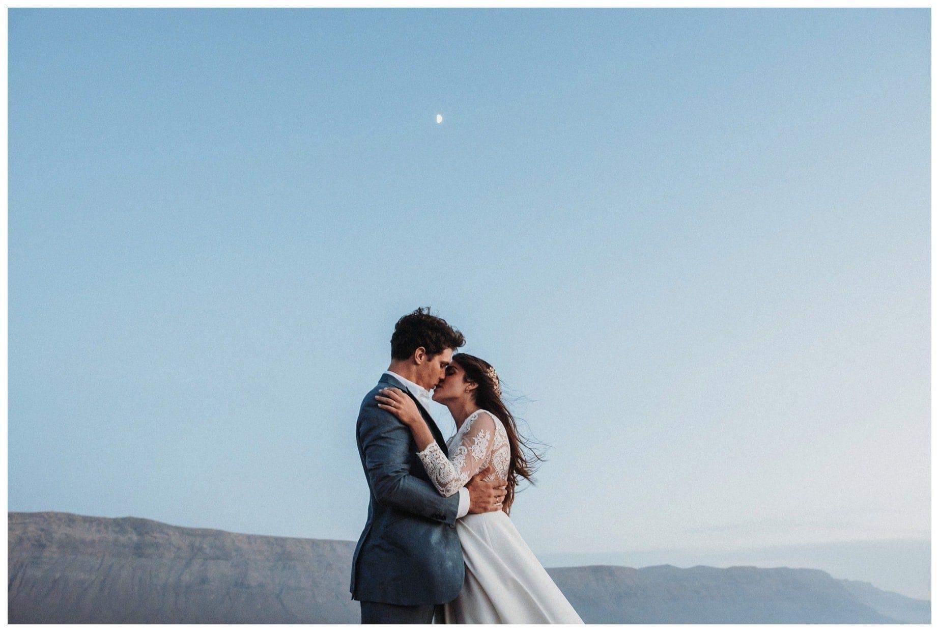 La boda de Mónica y Álvaro en La Graciosa